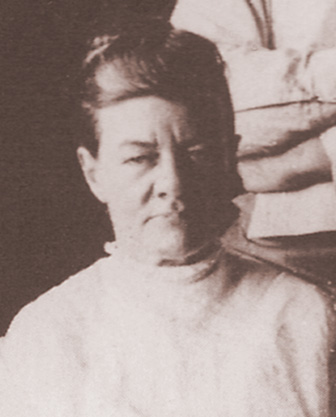 Thomas-Elizabeth-1907.jpg